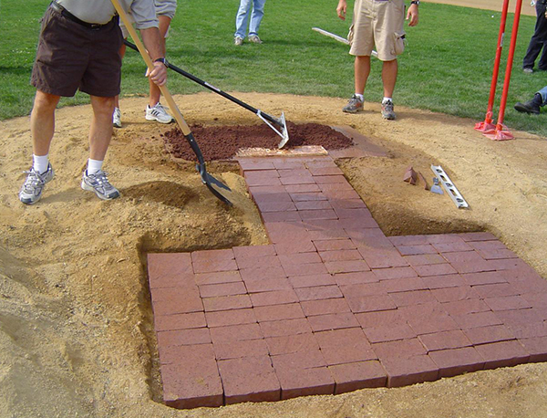 MOUND MASTER BRICK RED MOUND CLAY 8/BAG